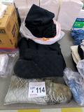 (4) Mitt Oven MITs, Black Table Clothes, Black Aprons.