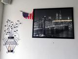 NYC Skyline Photo with Twin Towers & Metal Flower DŽcor.