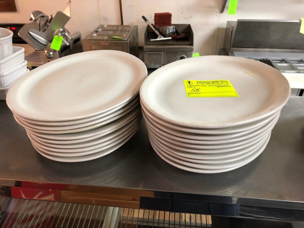 """(20) White China Oval 13.5"""" Dinner Plates"""