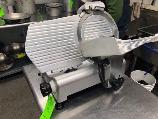 "Avantco 12"" Manual Gravity-Feed Slicer"