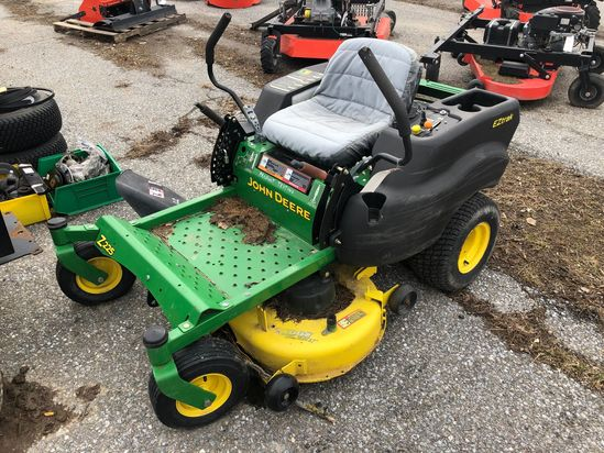 John Deere Z225 Zero Turn Mower