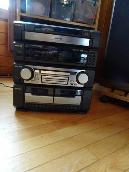 Aiwa Stereo System with 2 speakers & Aiwa Surround Sound SX R275 R276 speak