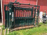 Hi Hog 1551 Livestock Squeeze Chute