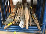 (15 +/-) Wood Roof Brackets