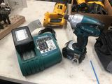 Makita 18v Impact Driver w/ (2) Batteries & Charger
