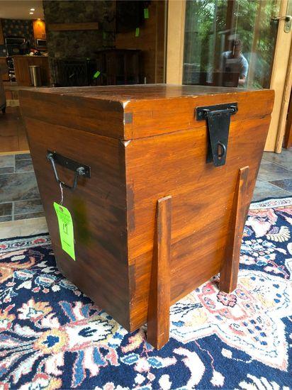 Pine Dovetail Storage Box