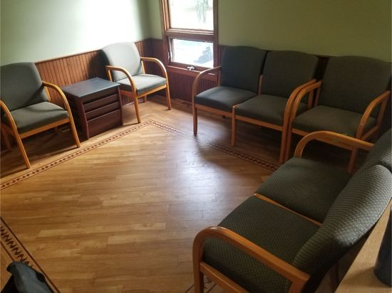 (2) Double & (3) Single Waiting Room Chairs w/ Magazine Stand