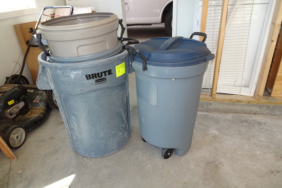 Lot of 5 Trash Cans