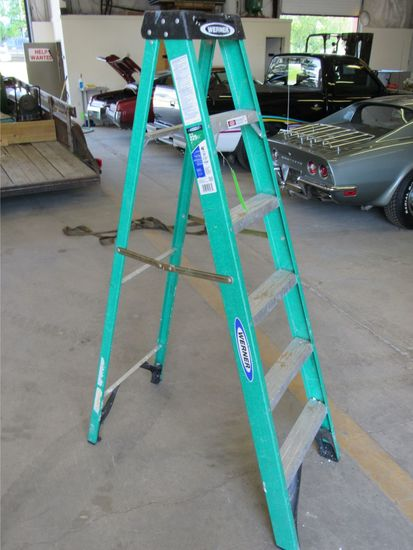 Werner 6' Fiberglass Step Ladder