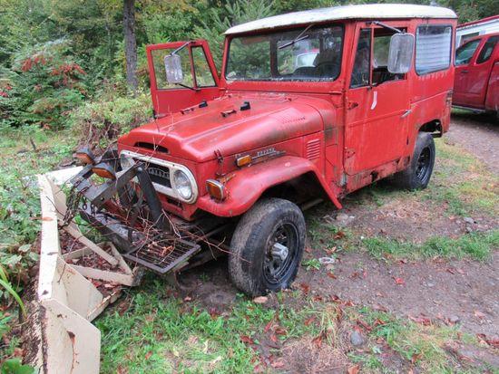 1973 Toyota Land Cruiser W/ 6' Plow
