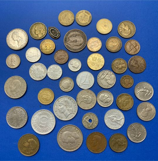 (42+/-) Foreign Coins