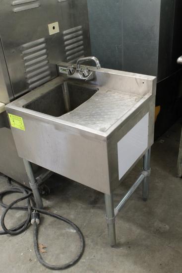 Stainless Steel Sink w/ Drain Board