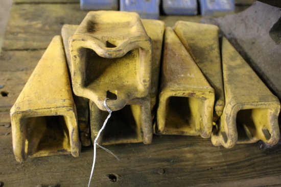 (8) Excavator Teeth