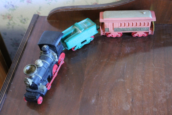 Auburn Plastic Train