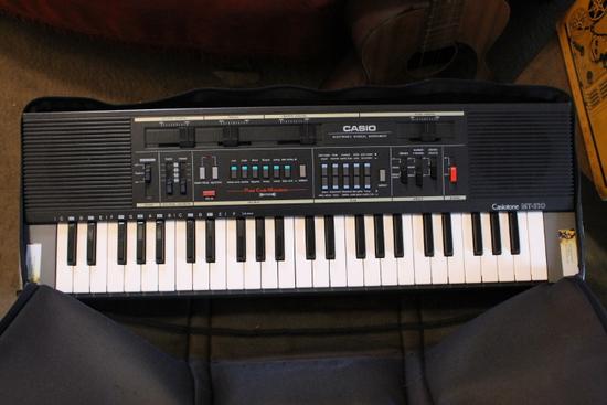 Casiotone MT-210 Electric Keyboard