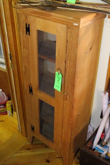 Single-Door Pine Pie Safe