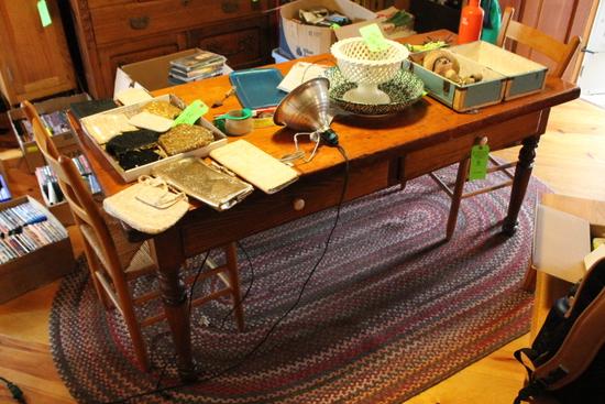 Pine Farmhouse-Style Kitchen Table