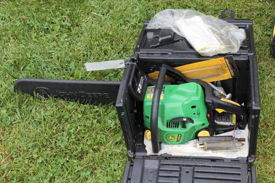 "John Deere J3816 18"" Gas Chainsaw"