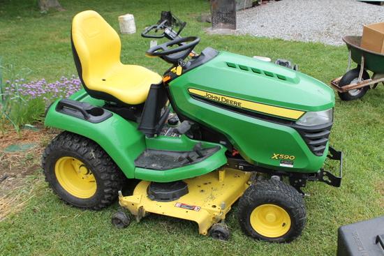 John Deere X590 Riding Lawn Tractor