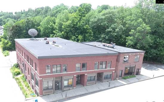 VERMONT ABSOLUTE AUCTION: 26,000+/-SF  Building