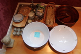 (16) Assorted Kitchen and Decorates