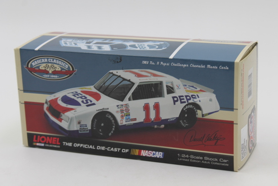 Action Collectibles #11 Darrell Waltrip