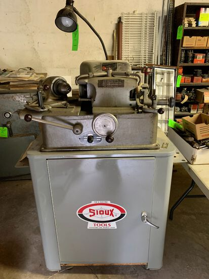 Sioux Valve Face Grinding Machine w/ Tooling
