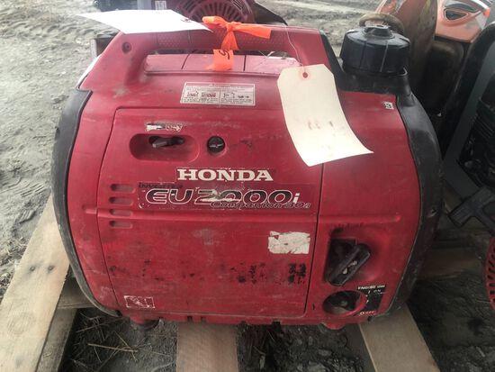Honda EU2000 Companion 30A Portable Gas Generator