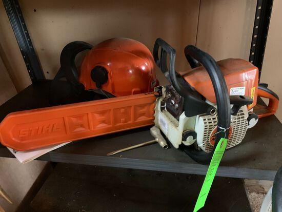 Stihl MS 250 Gas Powered Chain Saw