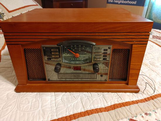 Crosley Radio/Record Player CR42