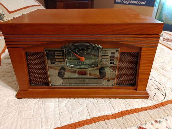 Crosley Radio/Record Player CR42
