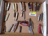 (32+/-) Vintage Pocket Knives