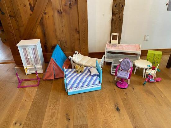 (13) American Girl & Other Doll Furniture