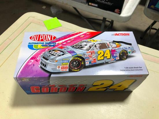 Jeff Gordon #24 DuPont NASCAR 2000 Monte Carlo