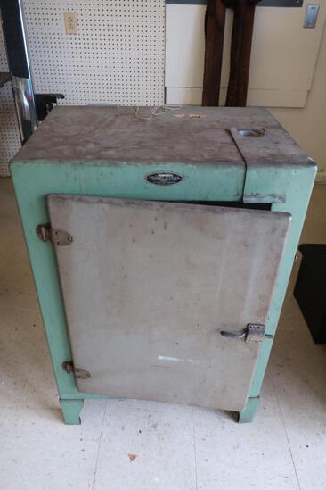 Crosley Icyball Refrigerator