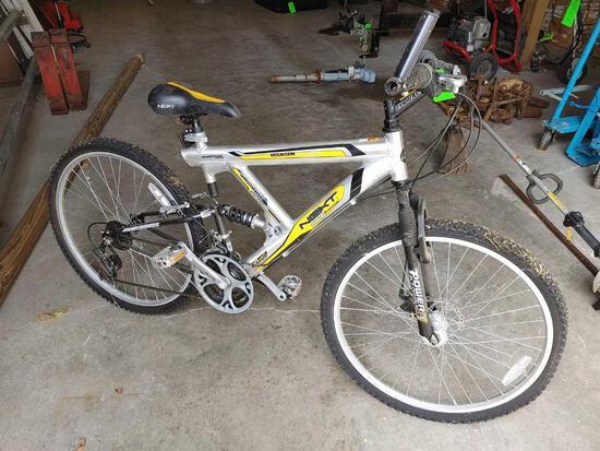 NEXT Mountain Ridge Bicycle