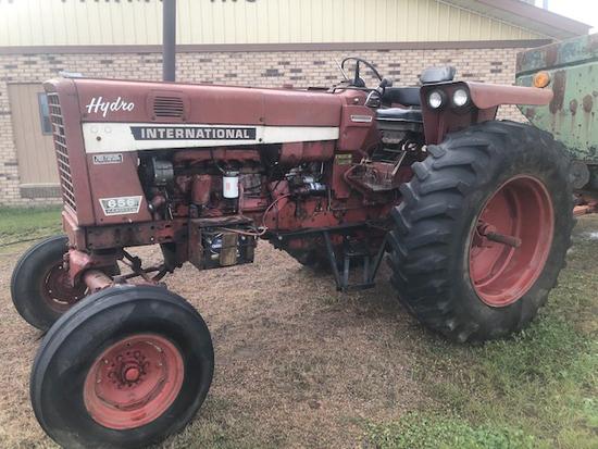 IH 656 Hydro Tractor