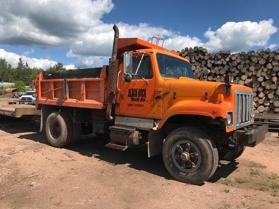 1992 International 2554 4X2 Dump Tuck