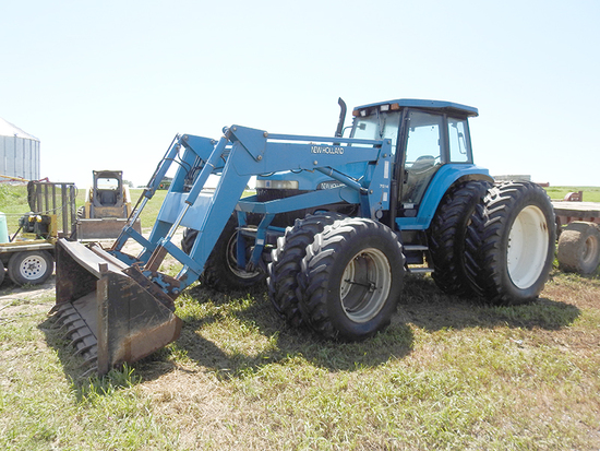 New Holland 8970 w/ Loader