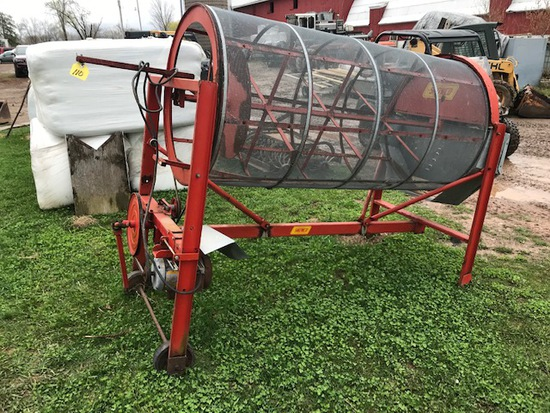 Snowco Grain Cleaner w/ Auger & Tray