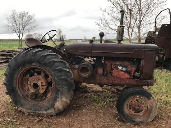 International W6 Tractor