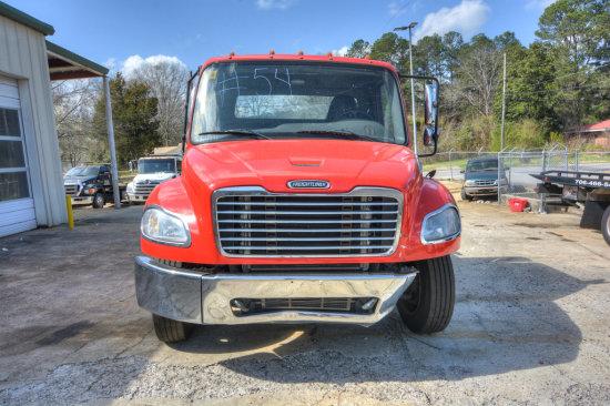 TRUCK #84 2015 Freightliner M2 106 Convential Cab Cummins 6.7L Diesel Class