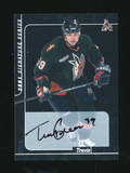 2001 Signature Series Autographed Hockey Card #164 Travis Green. Near Mint