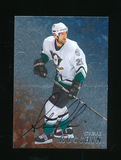 1998 In The Game Inc Autoraphed Hockey Card #151 Steve Rucchin. Near Mint t
