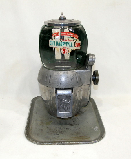 Viintage Atlas Bantam Chlorophyll 5-cent Gum Machine with Key and Most of O