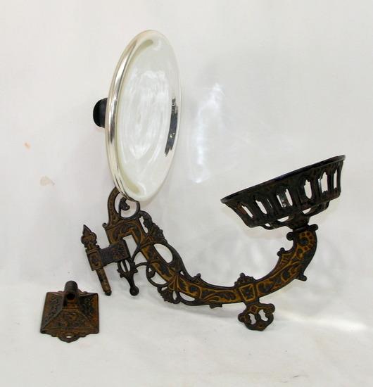 Vintage Cast Iron Wall Mounted Victorian Style Kerosene Oil Lamp Holder Wit