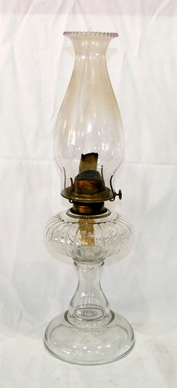 Vintage Eagle Clear Glass Kerosene Lamp With Clear Glass Chimney No Cracks