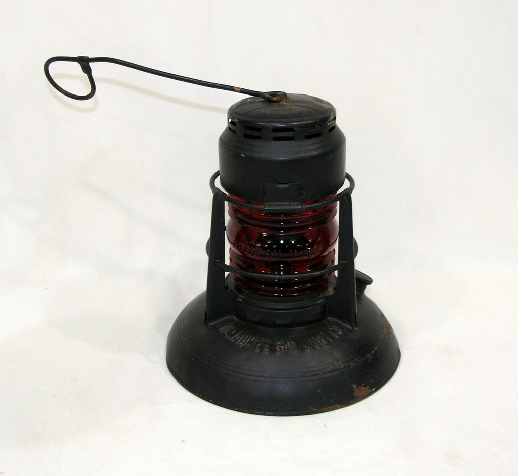 Vintage Dietz Model No. 40 Traffic Guard Kerosene Lantern With Original Red