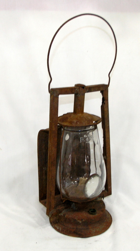 Vintage Dietz Kerosene Lantern Similar To Monarch With Back Heat Shield And