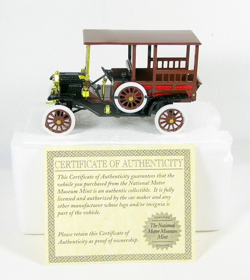 Diecast Replica of 1912 Ford From National Motor Museum Mint 1/32 Scale.  N